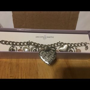 Gorgeous charm bracelet heart brand new
